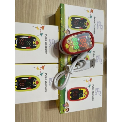 XIAOO Pulse Oximeter kids use
